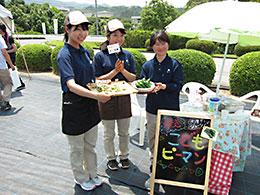 女性社員がおすすめ品種を使って考案した料理の提供する初めての試みもあった