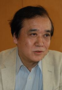 中岡望・東洋英和女学院大学副学長