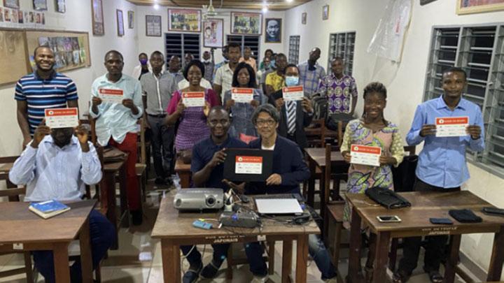 ベナン共和国へ教育用ノートパソコン100台を寄贈 JA三井リース