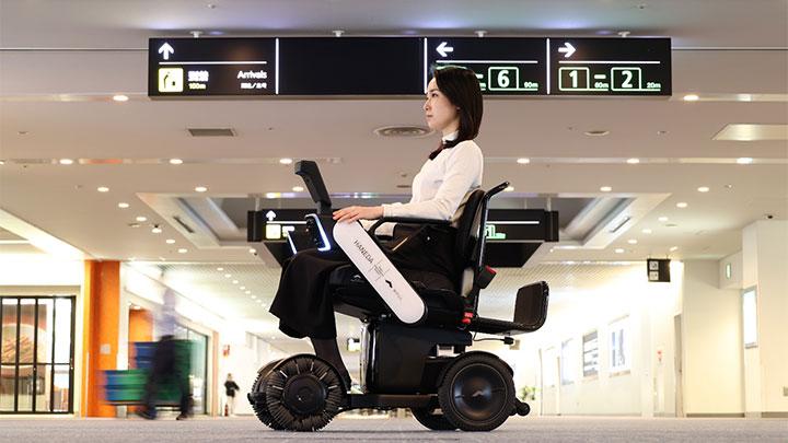 羽田空港で導入された「WHILL 自動運転システム」
