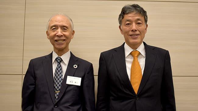 雜賀慶二社長(左)と米井嘉一教授
