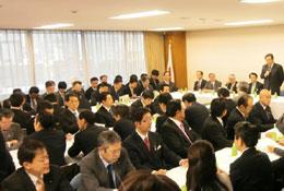 2月19日、自民党本部で開かれた「TPP参加の即時撤回を求める会」の会合