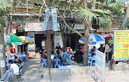 ハノイの路上カフェ