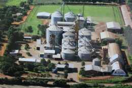 2008年当時のイグアス農協の穀物サイロ