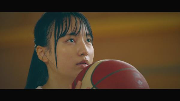 バスケの部活に打ち込む娘を熱演する平澤さん