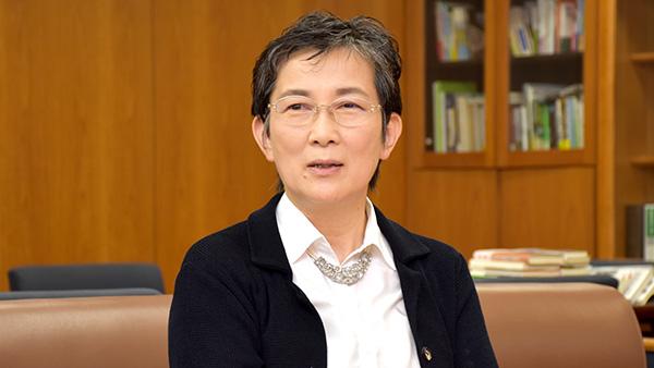 姉歯曉駒澤大学教授