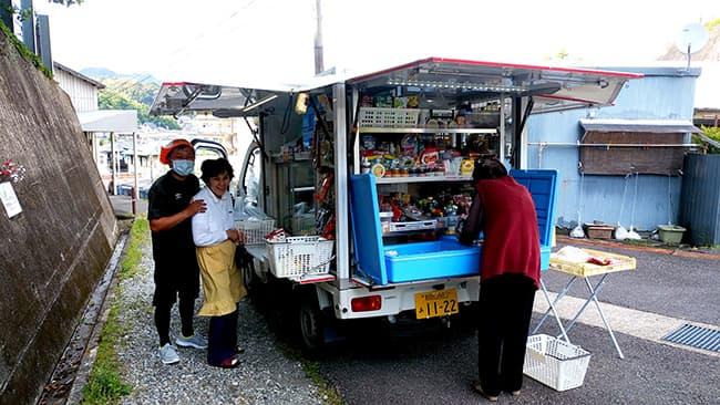 移動スーパー「とくし丸」は地域の重要な生活インフラ
