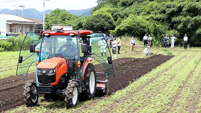 スマート農業対策チームのGSトラクター走行実験