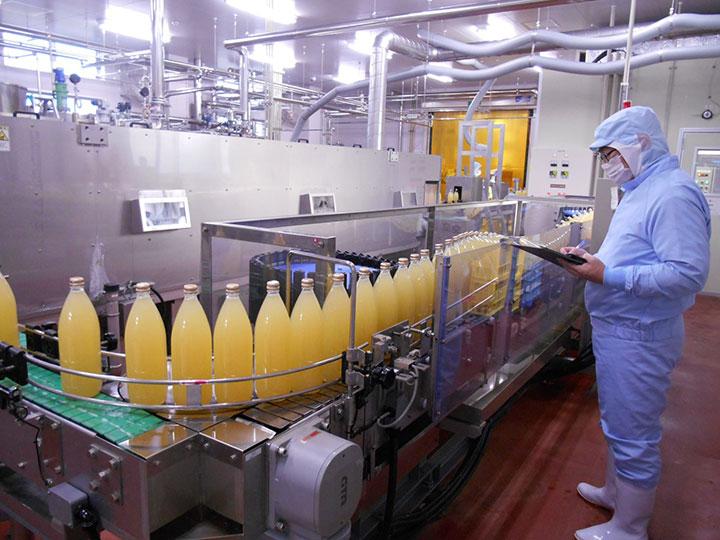 年間150万本/1リットルを製造する農協加工所