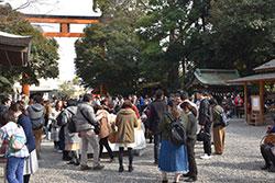 川越市の氷川神社を参拝した参加者