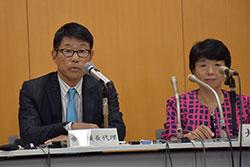 規制改革推進会議の金丸農業WG座長(左)、右は太田弘子同会議議長。9月12日の会合後の記者会見