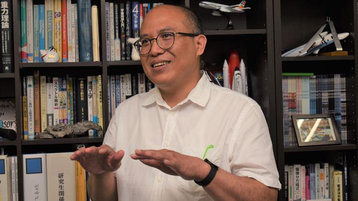 ヨサファット・テトォコ・スリ・スマンティヨ教授