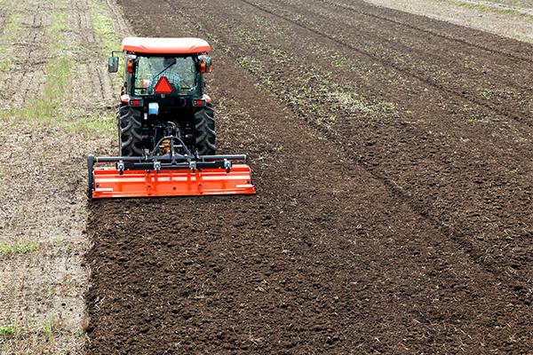 春耕起作業に向けて、土づくりに注力