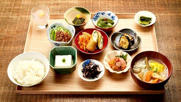 和歌山の食材にこだわった「四季の定食」(1800円・税別)