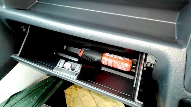 車内に標準装備された「消棒レスキュー」
