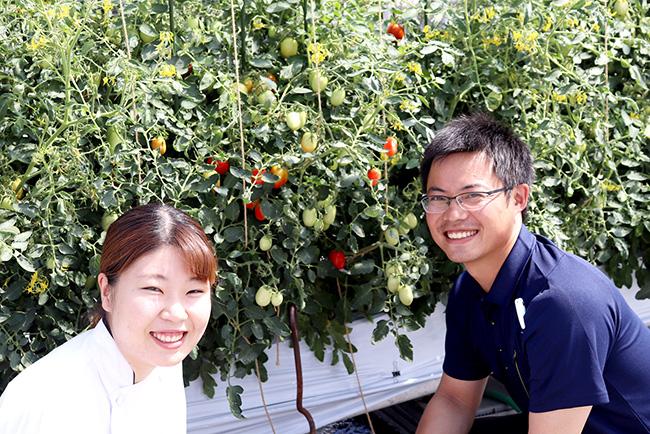 パティシエの赤羽さん(写真左)と農家の佐藤さん