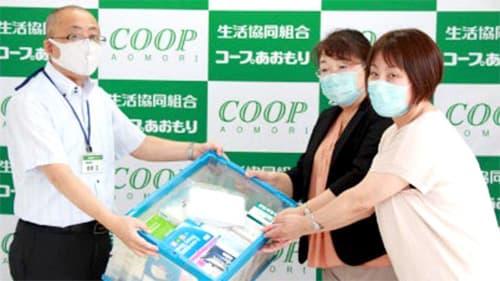 医療従事者への支援で、コープあおもりから青森保健生活協同組合へマスクを提供