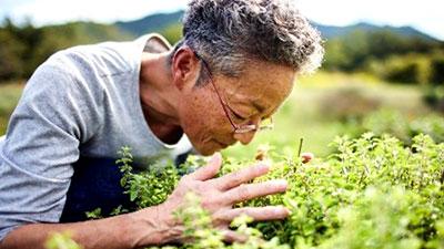 大地にやさしい農家を応援「先駆者の言葉」にハーブ栽培の第一人者が登場