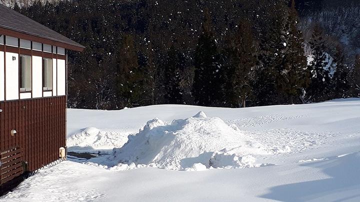地域産品による新たな産業に向け雪室貯蔵の検証試験開始 新潟県湯沢町