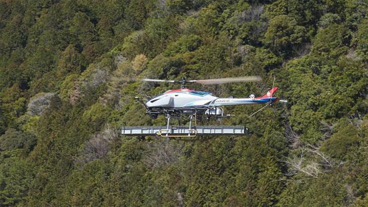パイロットによる操縦と自動航行を組み合わせ、計1.5トンの資材を運んだ「FAZER R G2」
