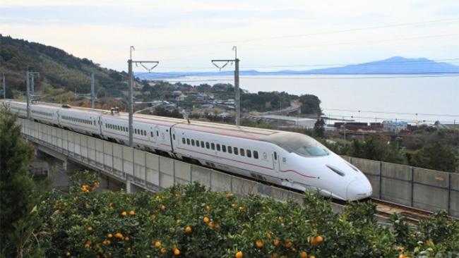 九州新幹線を使った荷物輸送サービス「はやっ!便」