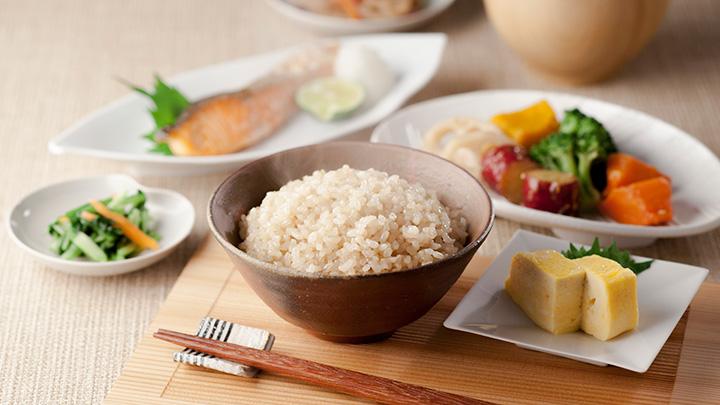 「玄米」が非アルコール性脂肪肝を予防・抑制 東京農大とアルファー食品が共同研究