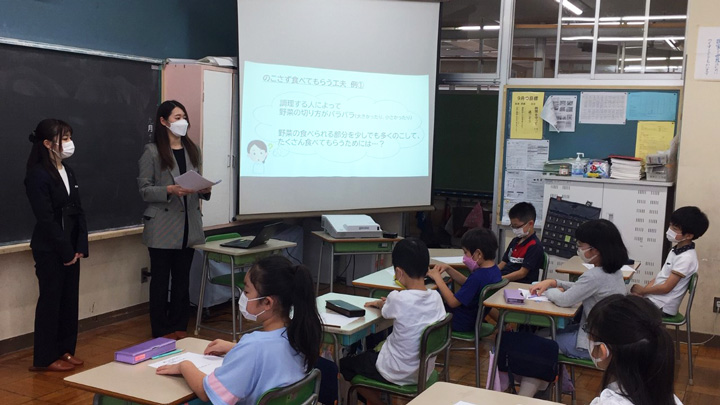 港区の小学校で行われた特別授業の様子