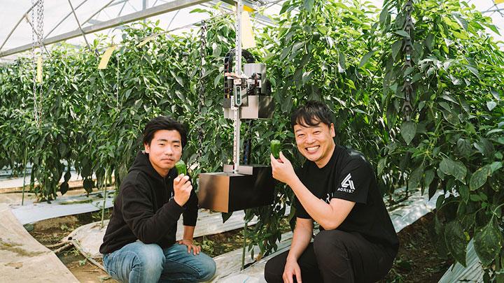 ロボット開発者の高辻氏(左)と代表取締役の齋藤氏