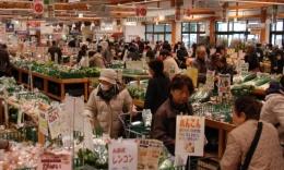 平成19年に開業したJA糸島ファーマーズマーケット「伊都菜彩」のようす