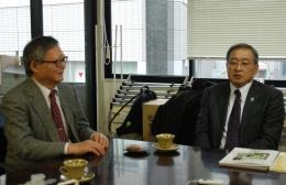 対談する今村教授(左)と中村組合長