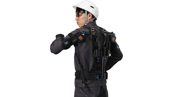上腕の負担を軽減 アシストスーツ「TASK AR2.0」がコンパクトにバージョンアップ