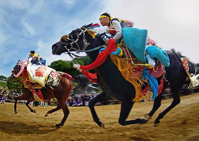 「菊間祭 お供馬の走り込み」