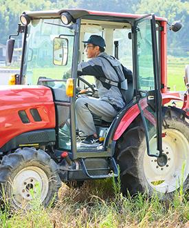 装着したまま農機を運転可能