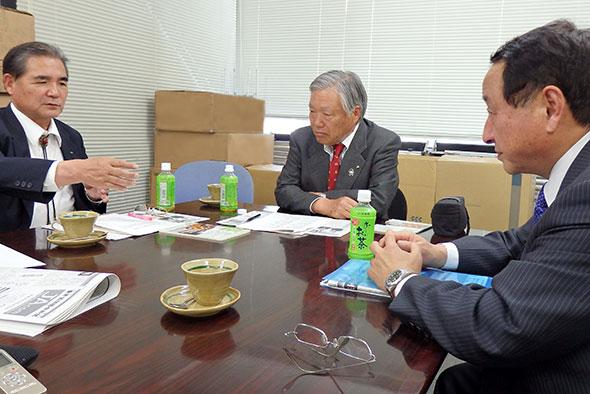 新世紀JA研究会の意義を語る歴代代表(右から藤尾、萬代、鈴木の各氏)