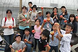 産直の協同組合間連携による子どもたちの収穫体験・和歌山県紀ノ川農協で