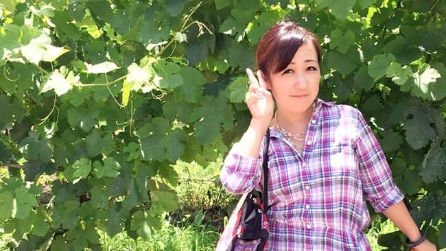 """一緒にブドウ作りをしてくれる人を募集している""""しまちゃん""""こと島田美沙さん"""