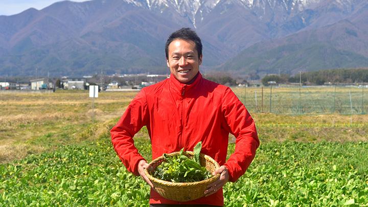 伊那谷で固定種・在来種の野菜を栽培する耕芸くくの唐沢億也さん
